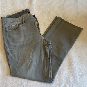 Jag jeans relaxed boyfriend fit.  Light grey.  EUC